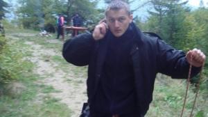 Polițistul SAS din Suceava, tăiat cu sabia de un interlop, în stare gravă