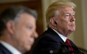 Preşedintele Trump a negat că i-a cerut lui Comey să renunţe la investigaţia care-l viza pe consilierul Michael Flynn