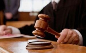 Preotul din Cincu, judecat pentru fraudă cu fonduri europene. A pretins că Biserica foloseşte un teren deşi acesta e în poligonul militar