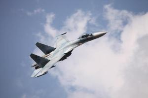 Rusia susține că a trimis avioane de vânătoare ca să intercepteze aeronave americane, deasupra Mării Negre