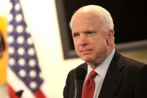 Senatorul american John McCain sufera de cancer cerebral