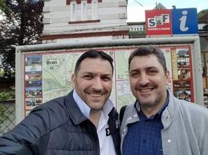 Stan și Bran de la MTS, selfie la Bran