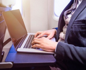 SUA au eliminat interdicţia vizând laptopurile la bordul avioanelor
