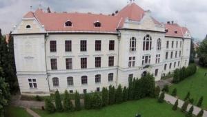 UDMR a reclamat CCR la Bruxelles pentru blocarea liceului romano-catolic din Târgu Mureş