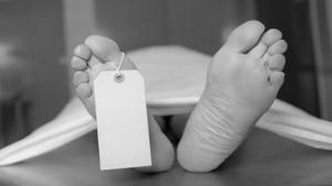 Un autopsier primeste zilnic de la cadrele medicale lista cu persoanele care sunt pe moarte