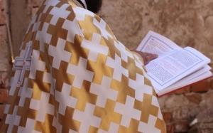 Un preot din Videle a fost prins în flagrant, în timp ce întreţinea relaţii intime cu un minor
