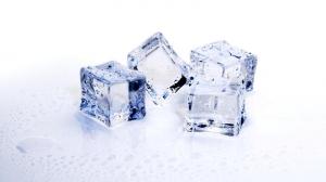Vaccinarea împotriva COVID-19 ar putea genera o criză: Gheață uscată folosită pentru transport