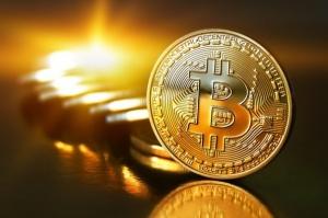 Valoarea bitcoin a crescut cu 10 miliarde de dolari în 12 ore după o scădere majoră în weekend