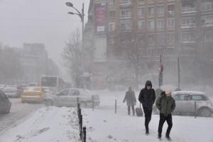 Vine iarna grea! Informare meteo de ultimă oră: Vreme rece, ninsori, polei şi vânt