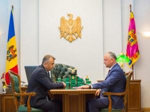 Zeci de ani de relații bilaterale Moldova - Romania sterși de Ion Chicu prin declarații abuzive