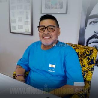 A murit Maradona. Fostul mare fotbalist a facut stop cardiac