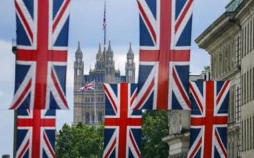 Ce trebuie să facă românii din Marea Britanie dacă vor să locuiască acolo în continuare după Brexit