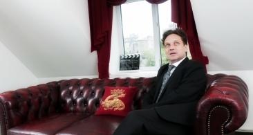 Culisele unui fake-news: Ce se ascunde în spatele diversiunii cu George Ivașcu ales șef al masonilor