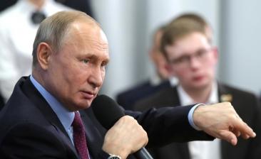 Cum a reactionat Putin cand o femeie l-a luat la intrebari despre salariul sau si viata grea a rusilor de rand