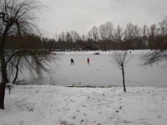 Elicopter SMURD trimis după un copil de 14 ani scos in stare de inconstienta de sub gheata unui lac din Mures