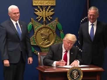 Lovitura pentru Trump: Un judecător a blocat pe termen nedeterminat implementarea restricţiilor de călătorie in SUA