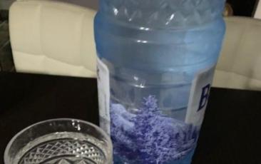 Pierdere rapidă în greutate: Dieta cu apă timp de 48 de ore