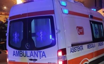 Poliţist de frontieră, mort în condiţii violente. Bărbatul de 43 de ani, găsit în pat cu gâtul tăiat de flex