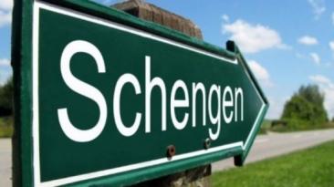 Propunerea de eliminare a vizelor pentru cetăţenii turci în Schengen include o clauză de anulare
