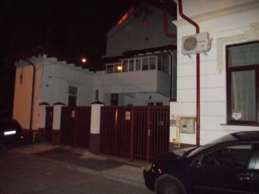 Scandalul bordelului mascat din vila avocatului Ion Neagu a fost muşamalizat de poliţiştii Secţiei 17