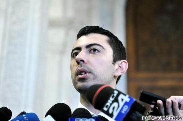 Sentinta in dosarul de coruptie in care Vlad si Mircea Cosma au fost condamnati in prima instanta amanata pentru a treia oara