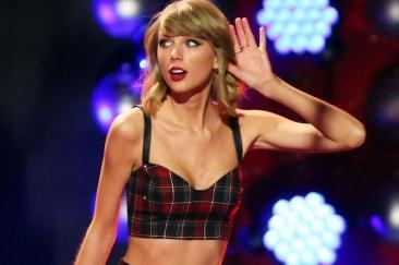 Taylor Swift l-a întrecut pe Michael Jackson la numărul de premii ale industriei muzicale americane