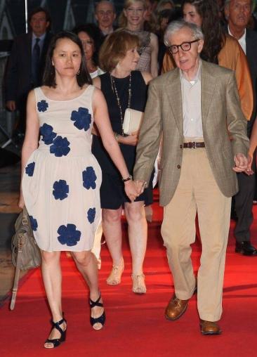 """Woody Allen a explicat de ce s-a îndrăgostit de propria fiică: """"E ceva patern"""""""