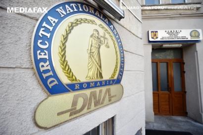 12 persoane au fost reţinute după percheziţiile din judeţele Braşov, Iaşi şi Harghita ce au legătură cu achiziţiile de aparatură medicală