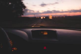 Copil de 14 ani din Botosani prins la volan pe un drum national. In autoturism se afla si un barbat de 38 de ani