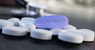 """Molnupiravir e noua armă anti-Covid pentru tratamentul la domiciliu. Dr. Bassetti: """"Am inceput tratamentul si studiul clinic in faza a III-a!"""""""