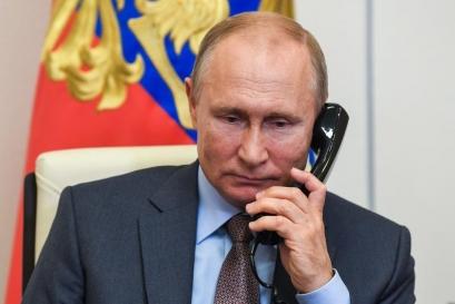 Putin anunță că zeci de persoane din anturajul său au COVID-19