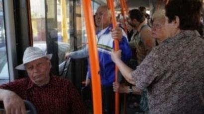 RATB majorează preţul călătoriei şi taie gratuităţile pentru pensionari