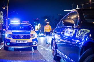 Târâți de polițiști la marginea Capitalei și bătuți cu salbaticie. La final, un agent a urinat peste una din cele două victime!