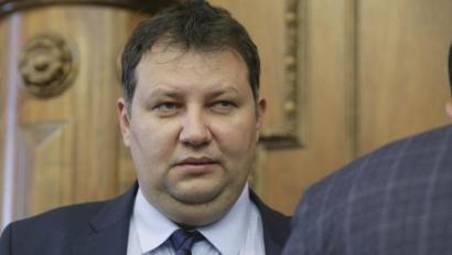 Toma Petcu face campanie electorala pentru ALDE cu angajatii si masinile societatilor Servicii Energetice Muntenia și Electrica Serv