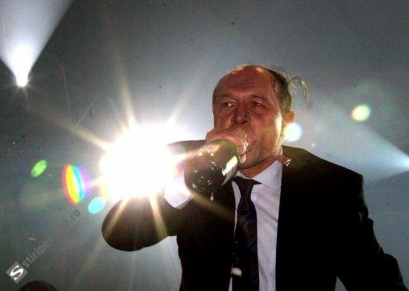"Traian Băsescu nu bea diluat! ""Ce sa fac, sa gust antisepticele sa vad daca-s bune?!"""