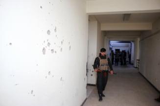''Creierul'' atacului ucigas de la Universitatea din Kabul a fost arestat. Cel putin 22 studenti, profesori si angajati au fost ucisi in masacru