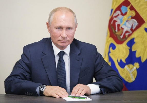 Putin şi Zelenski au discutat telefonic despre conflictul din estul Ucrainei şi şi-au exprimat sprijinul pentru armistiţiul care începe astăzi