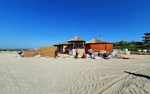"""""""Salvamarul"""" Eugen Teodorovici vrea să resusciteze terasele construite ilegal pe litoralul Mării Negre. Asociatul său e administratorul unui beach bar fără autorizație!"""