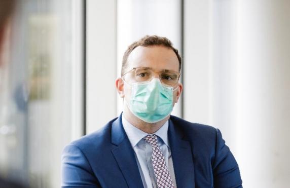 Acuzatii grave la adresa ministrului Sanatatii german si a sotului sau. Cei doi ar fi implicati in afaceri controversate cu masti anti-COVID