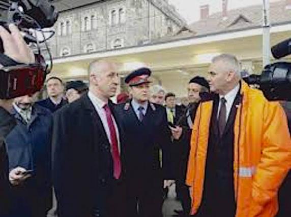 """Afacere de familie la Transporturi: Contract cu dedicație pentru """"băieții deștepți"""" de la calea ferată"""