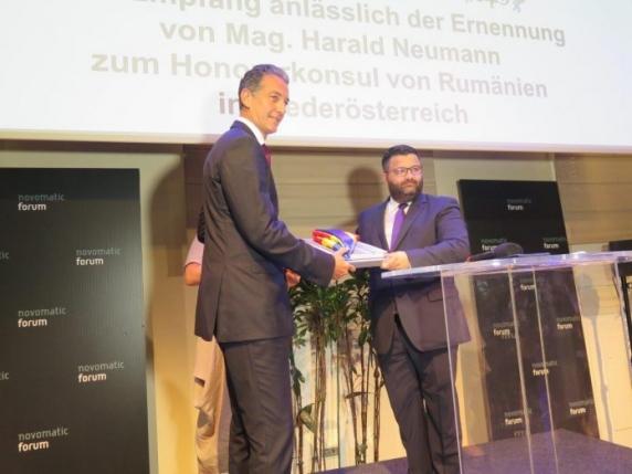 Anchetă a Parlamentului austriac: Consulul onorific al României în afaceri corupte cu guvernul de dreapta de la Viena!