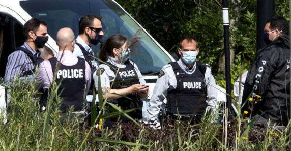 Atac armat în Quebec. Un bărbat îmbrăcat în haine medievale a înjunghiat mortal 2 oameni și a rănit alți 5