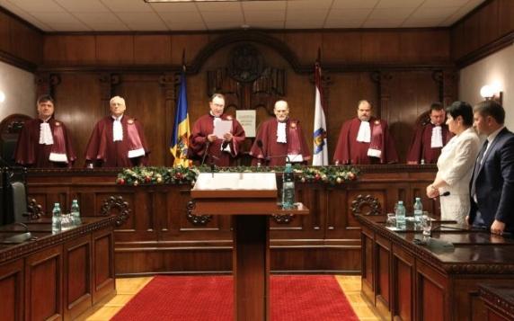 Avocatul Poporului contesta la Curtea Constitutionala obligativitatea ca un recurs in casatie sa fie facut doar printr-un avocat cu drept de a pune concluzii la Inalta Curte