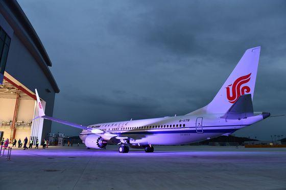 Cât pierde Boeing în urma incidentelor după tragedia aviatică din Etiopia. Toate avioanele 737 MAX rămân la sol