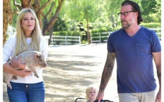 Ce îi cerea soţul actriţei din Beverly Hills 90210. Dependenţa de sex a distrus mariajul lui Tori Spelling cu Dean McDermott.