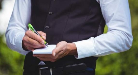 Chelnerii au autorizatie sa opereze date cu caracter personal? Mergi la terasa si risti sa ti se sparga casa sau o autoizolare de 14 zile