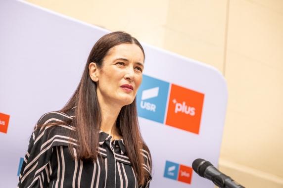 """Clotilde Armand: """"Cu noua zile inainte de alegeri, primarul PSD al Sectorului 1 doreste un imprumut de 200 de milioane de lei"""""""