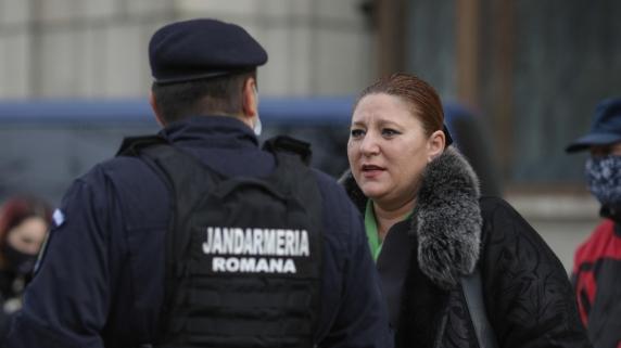 """CT Popescu zice ca senatoarea """"Balena Baliverna"""" a infiintat """"partidul Aurolacilor"""""""