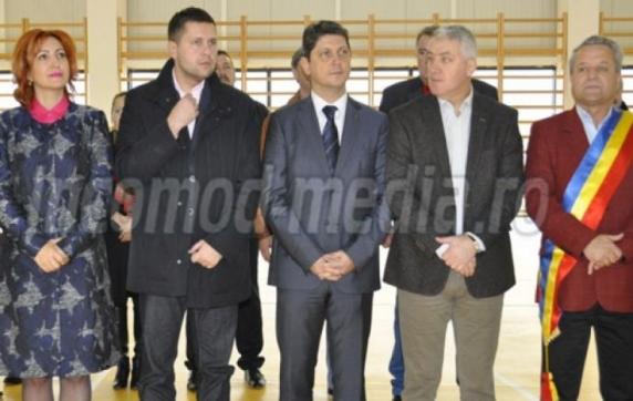 Cumătrul lui Adrian Țuțuianu, edilul PSD de la Dragomirești, deversează dejecțiile menajere în râul Dâmbovița