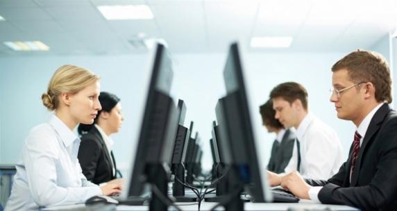 Curtea Europeana a Drepturilor Omului: Angajatorii pot monitoriza e-mailul angajatilor in conditii limitate